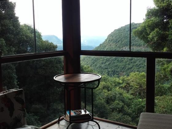 Apto. com Vista para o Vale do Quilombo