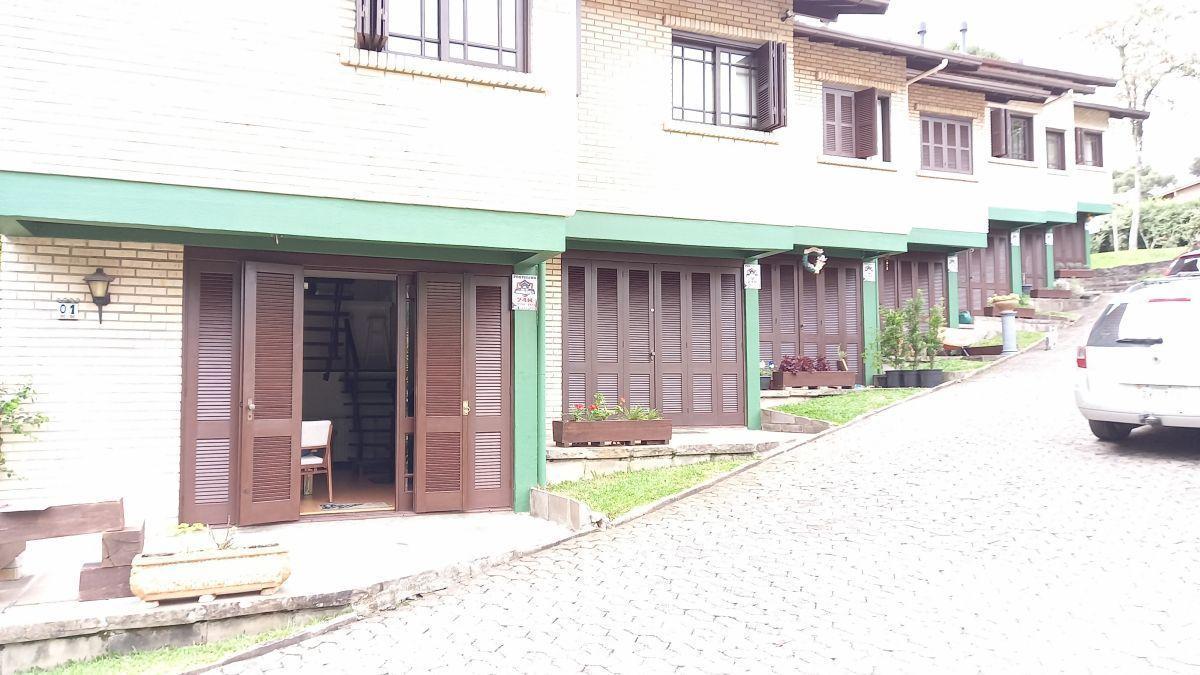 Casa geminada em bairro tranquilo