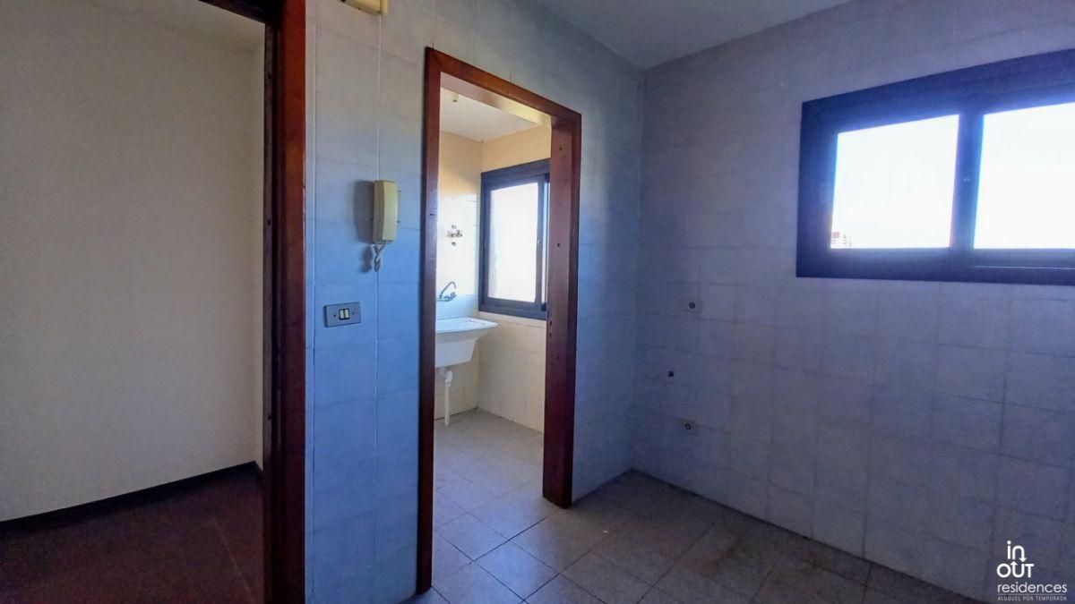 Apt. 2 Dormitórios Próximo ao Rissul Canela